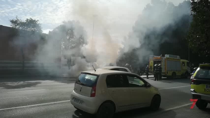El incendio de una furgoneta deja retenciones en Madre de Dios