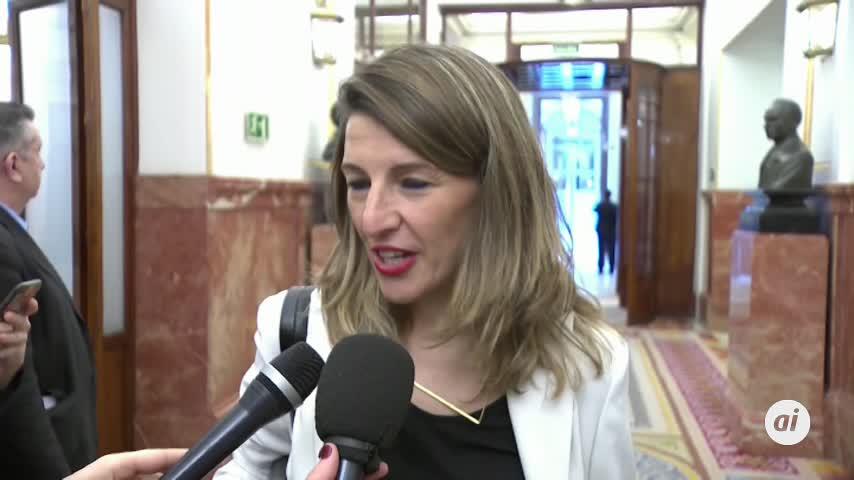 La ministra de Trabajo admite diferencias con el PSOE en inmigración