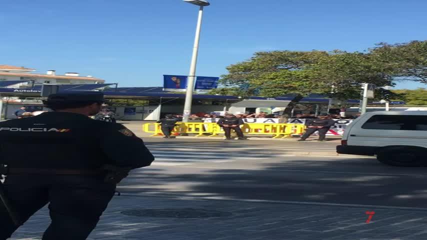 Jusapol y los funcionarios de prisiones protestan ante Marlaska