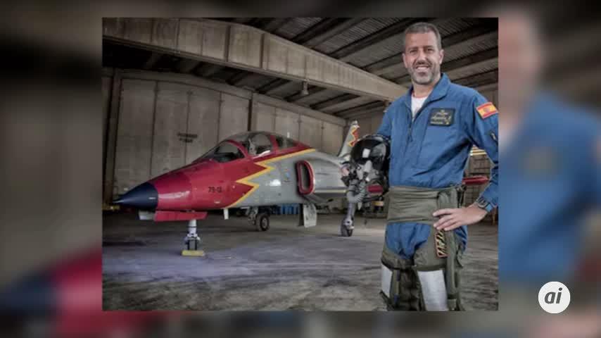 Muere un piloto granadino al caer su avión de la Patrulla Águila