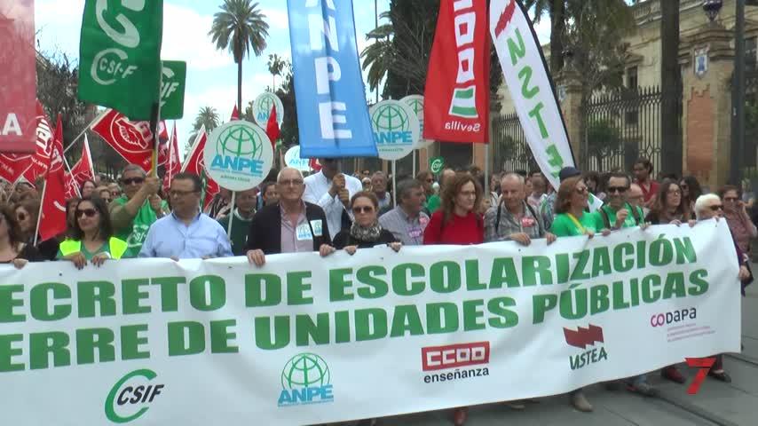 El decreto de escolarización se mantiene pese a la huelga