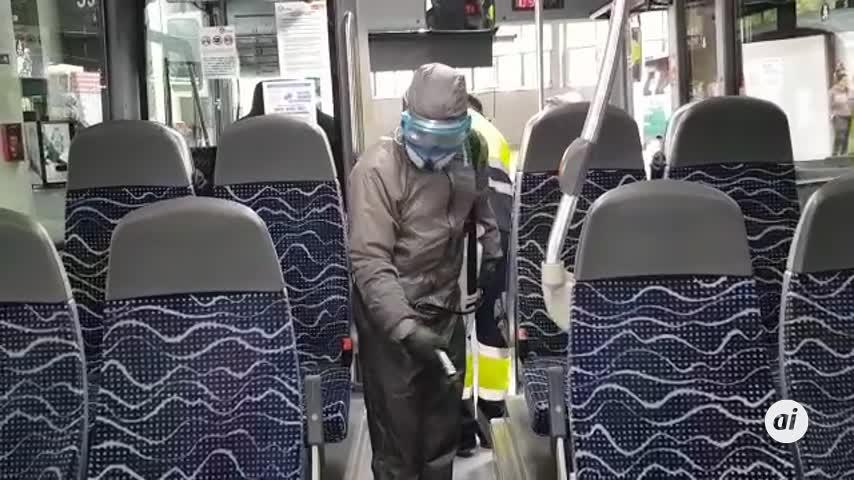 Desinfectan autobuses del Consorcio en Málaga y Andalucía por Covid-19