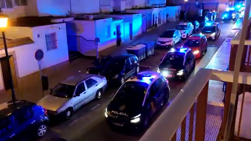 Joselito aplaudía a la Policía... y los policías lo aplaudieron a él