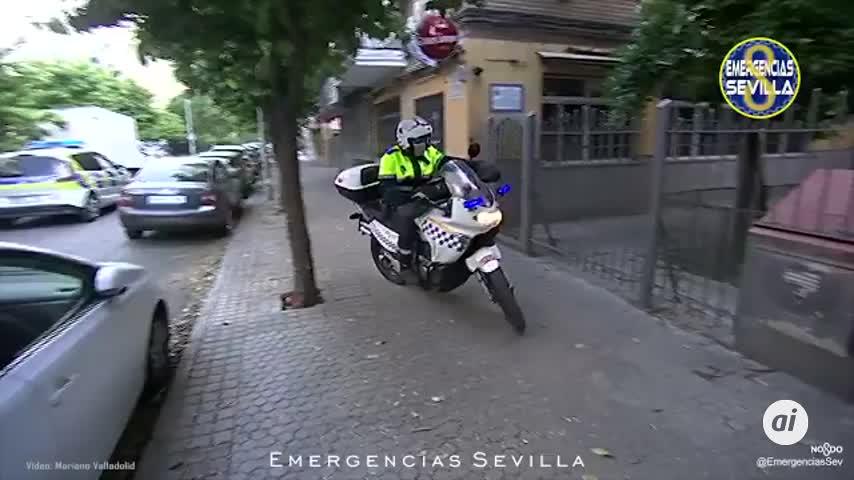 La Policía Local de Sevilla felicita a un pequeño en su cumpleaños