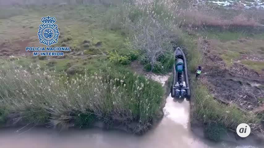 Dron de la Policía localiza una narcolancha en el Guadalquivir