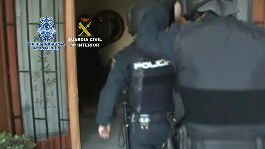 Desarticulan red criminal que construía túneles para cultivar droga
