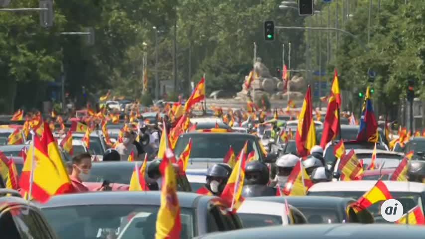 Vox paraliza el centro de Madrid con miles de personas en coche