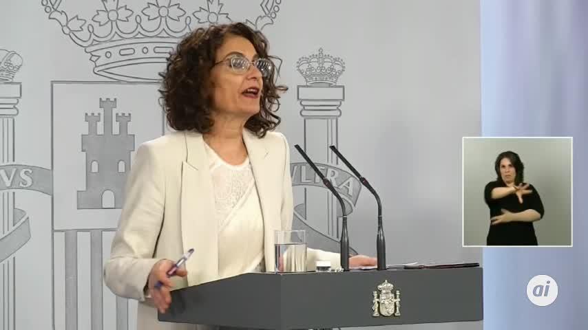 Montero dice que se trabaja en prorrogar los ERTE del sector turístico
