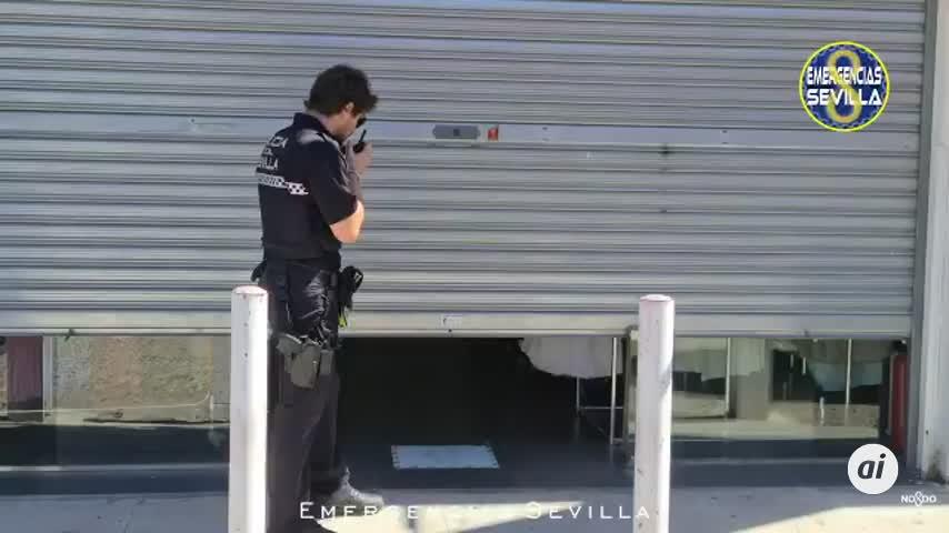 Tres detenidos e intervenidas 7.500 prendas falsificadas en Sevilla