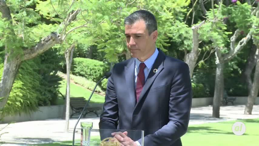 Sánchez no entra en la polémica de críticas de Podemos a periodistas