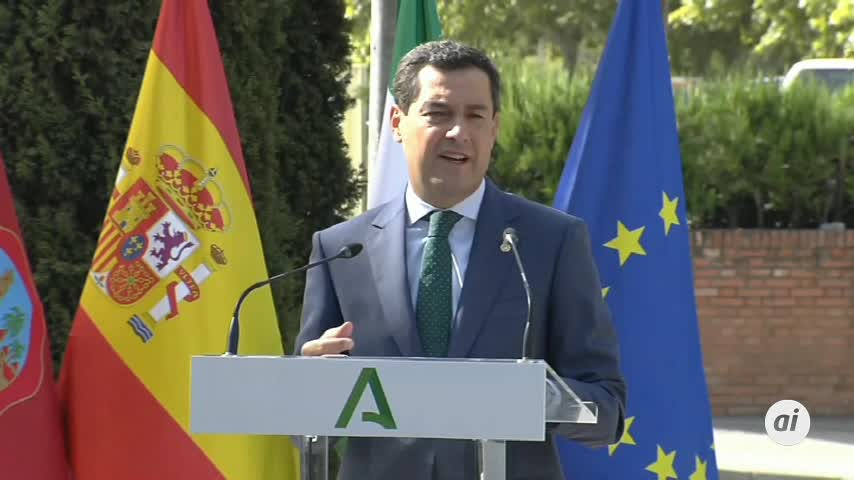Moreno ruega a los andaluces que no acudan a grandes aglomeraciones