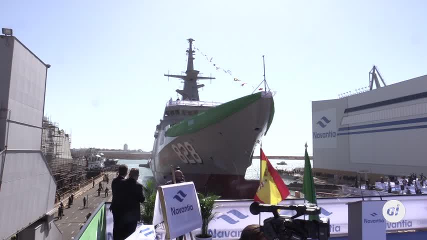 La primera corbeta para Arabia Saudí toca las aguas de la Bahía