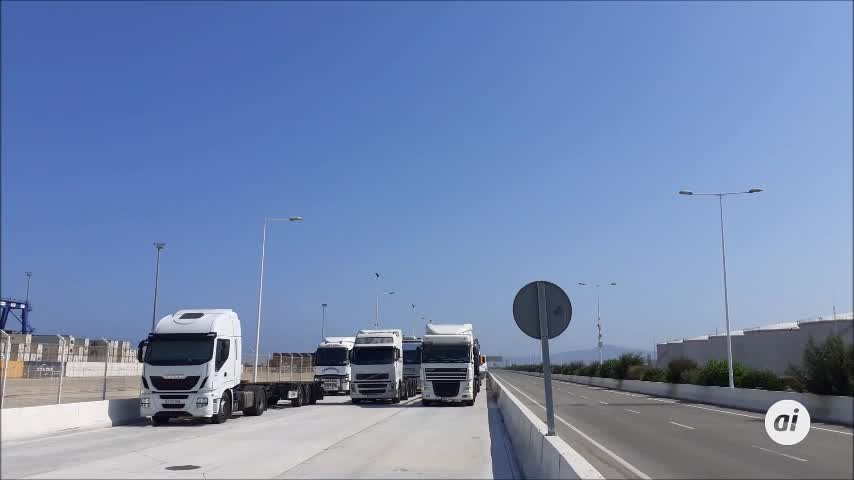 Transportistas homenajean a un camionero fallecido en Algeciras