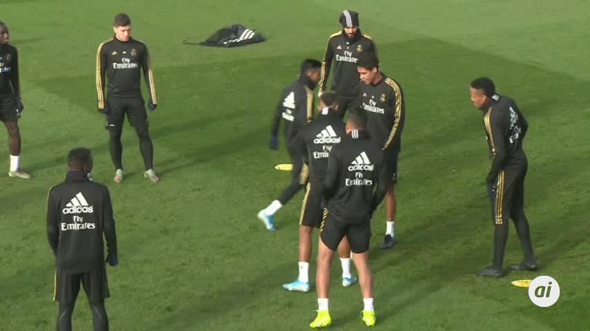 El Real Madrid comunica el positivo por Covid de Mariano