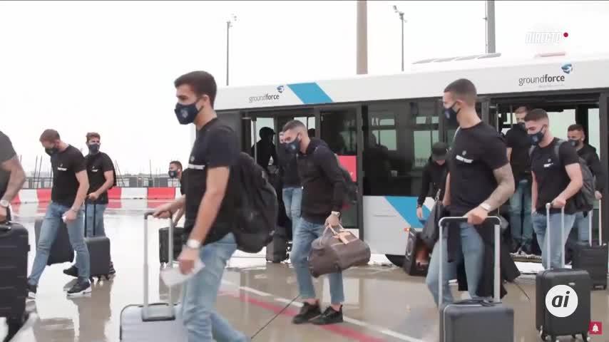 El Atlético de Madrid, ya en Lisboa tras una discreta bienvenida