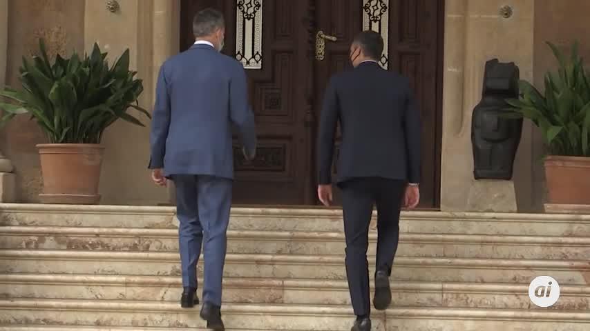 La audiencia del Rey y Sánchez en Marivent, marcada por la salida del Emérito