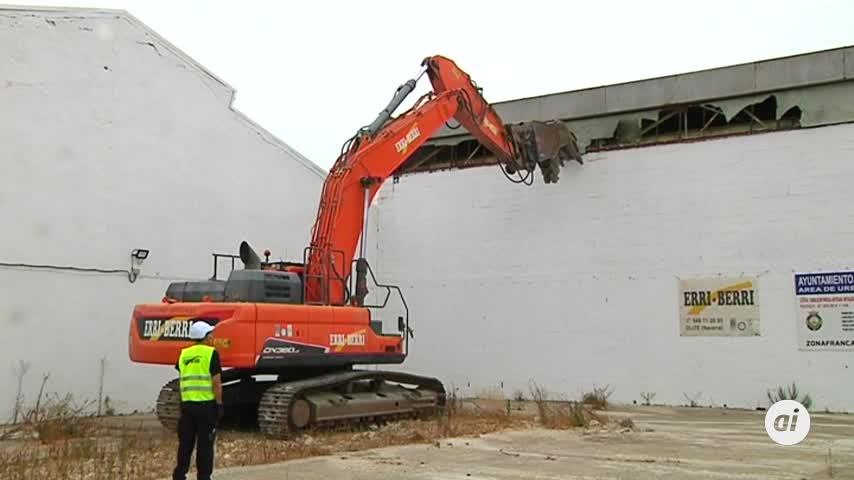 Zona Franca inicia la demolición de los antiguos Talleres Pastoriza en Cádiz