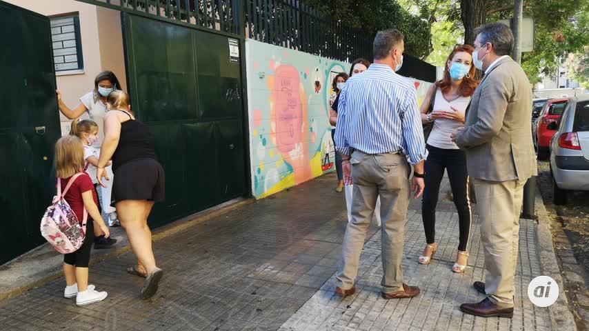 Espadas pide un refuerzo de profesores para 24 centros públicos de la ciudad