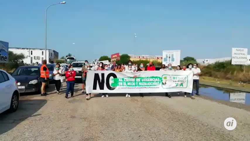 Manifestación contra el cierre del servicio de Urgencias en Matalascañas