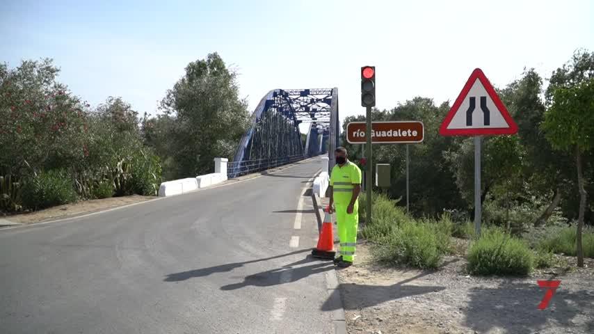 La Junta repara de urgencia el puente de La Barca tras la rotura de un estribo