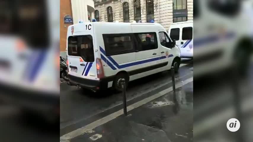 Un sospechoso del ataque con arma blanca de París detenido por la Policía