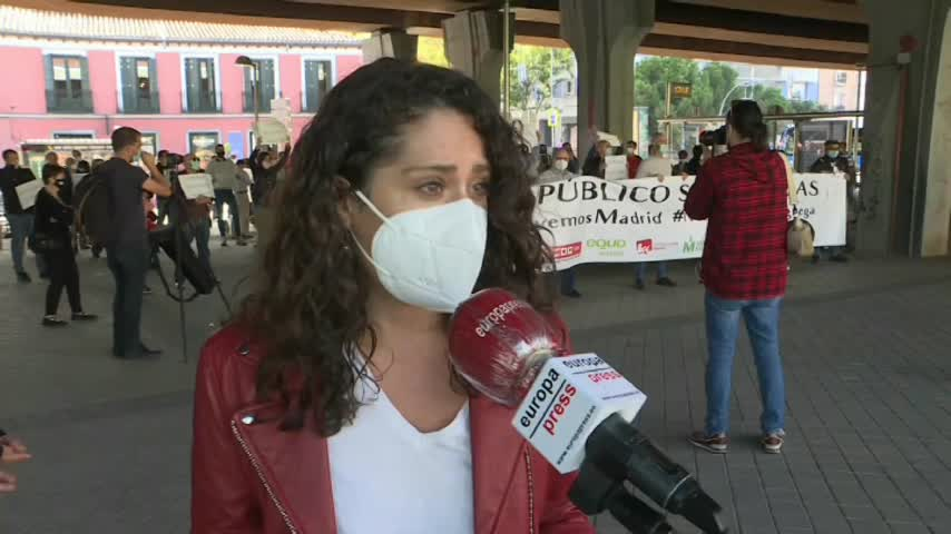 Centenares de personas rechazan las medidas de Ayuso y piden su dimisión