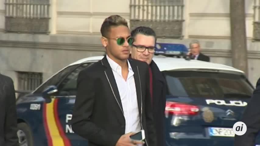 Neymar entra en la lista de morosos, siguen Sito Pons, Paz Vega y Patricia Conde
