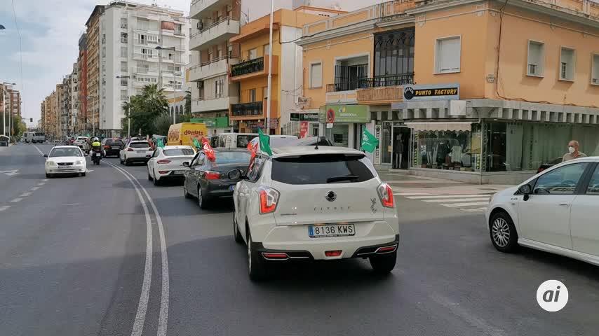 Caravana de coches para exigir más docentes y recursos en Huelva