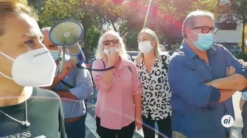 Alcaldes y movimientos vecinales de Huelva, juntos en Sevilla por las urgencias
