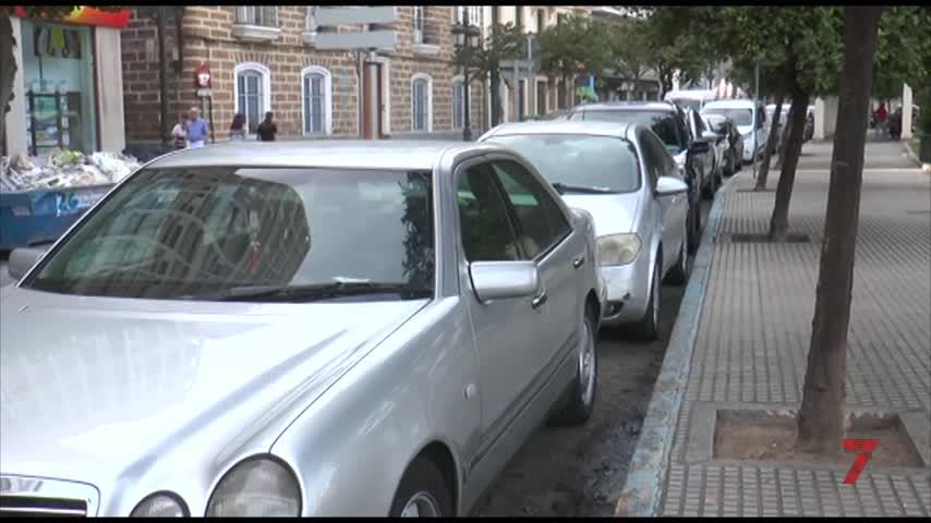 La calle 'no le ve color' a las zonas de aparcamiento regulado