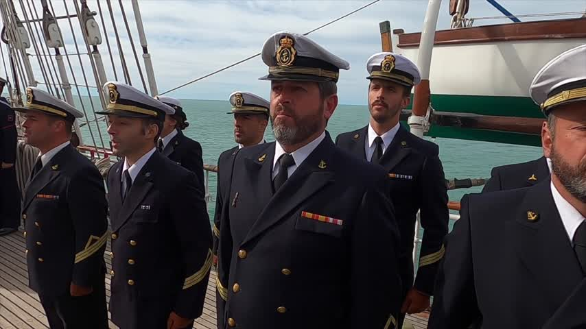 El 'Elcano' navega hacia Valparaíso tras los actos conmemorativos en Punta Arena