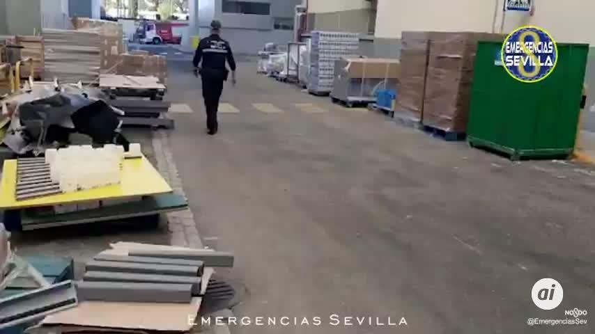 Extinguido un incendio en una nave del Polígono El Pino sin heridos