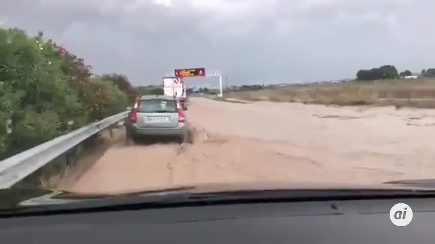 Cortada parcialmente la A-92 entre Osuna y Aguadulce por las inundaciones