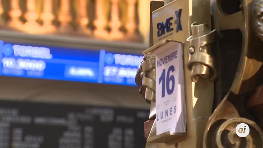 El Ibex 35 cae un 0,28% en un día marcado por las fusiones bancarias