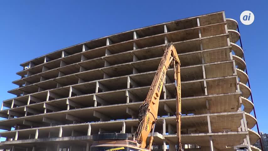 Comienzan los trabajos de demolición del fallido palacio de congresos de Jerez