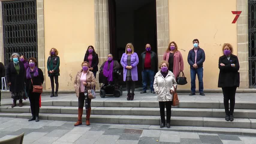 Jerez se suma al minuto de silencio contra las violencias machistas