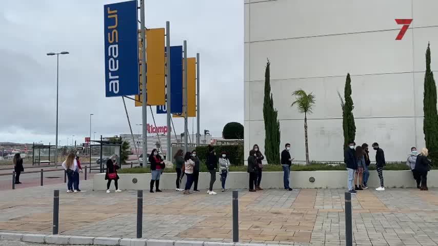 Jerez inaugura el fin del cierre perimetral con llenos en los centros comerciales