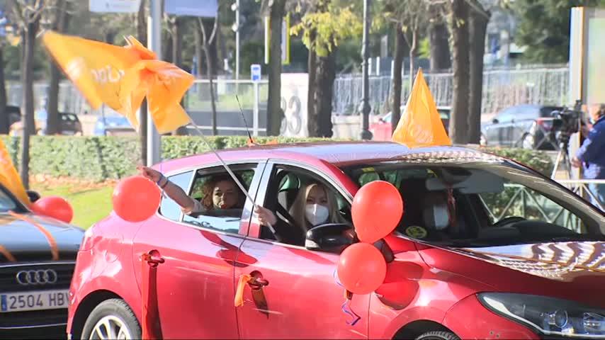 La educación concertada vuelve a llenar de coches toda España contra la 'Ley Celaá'