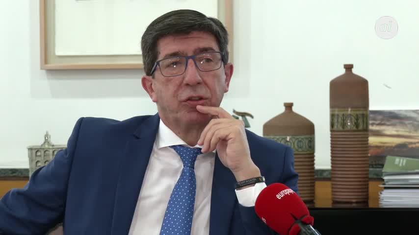 Juan Marín adelanta una campaña de información de la vacuna