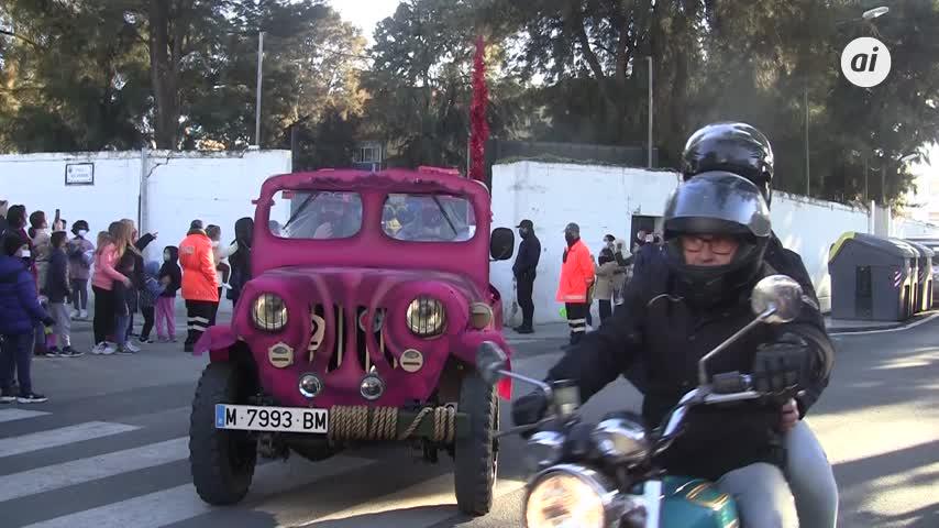 Los Reyes Magos comienzan a repartir ilusión por las calles de Chiclana