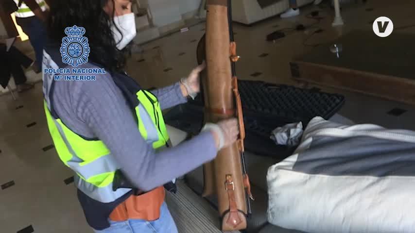 A prisión tres vigilantes por asaltar dos viviendas de lujo en Estepona
