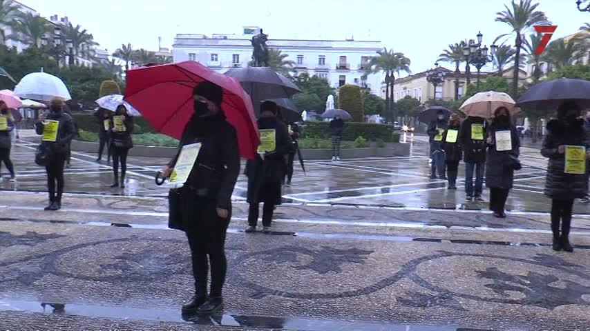 Protesta histórica de las peluquerías en Jerez para exigir la rebaja del IVA al 10%