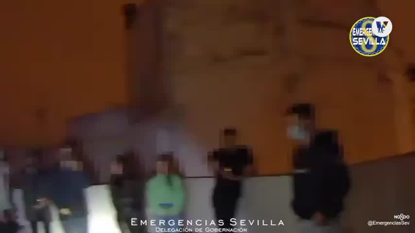 Denunciados 16 jóvenes que celebraban una fiesta en la azotea de un edificio en Sevilla