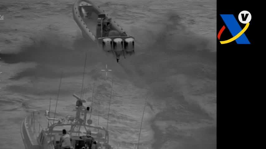 Vigilancia Aduanera se incauta de 617 kilos de hachís en una narcolancha en el Estrecho