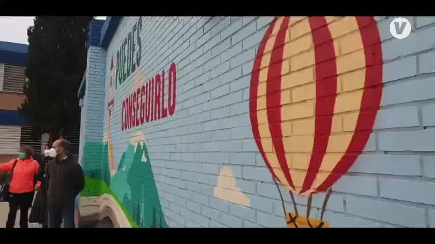 El Ayuntamiento mejora accesos e instalaciones del colegio Manuel Siurot, en Sevilla