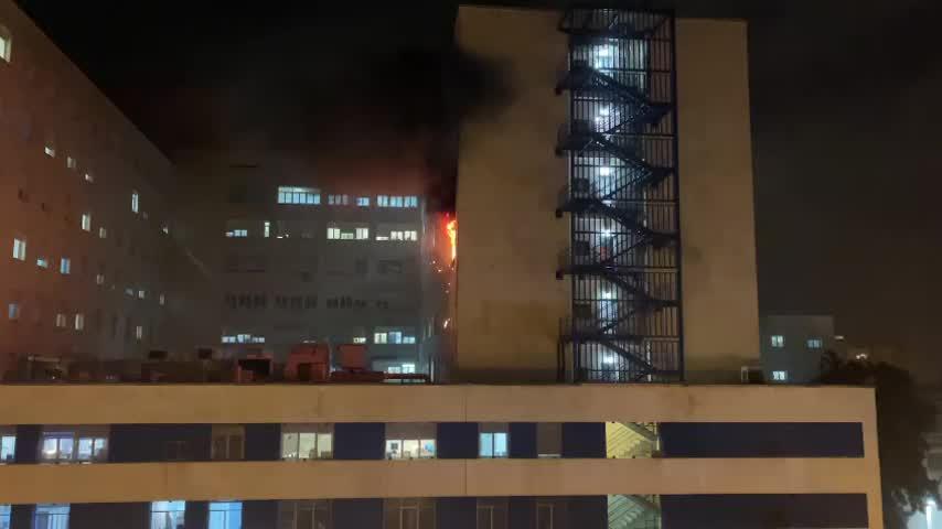Detenido un hombre como presunto autor del incendio en el Hospital Puerta del Mar