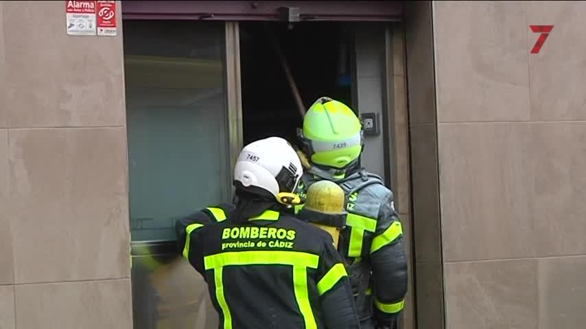 Incendio en Segunda Aguada, el tercero que sufre Cádiz en una semana