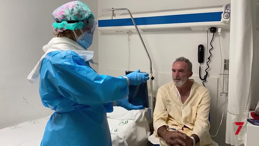 Más de 600 pacientes COVID conectados por tabletas con su familia en el Clínico de Málaga