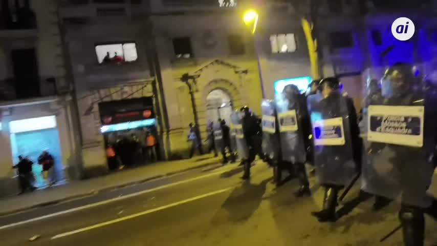 Octava noche de protestas en Barcelona tras el encarcelamiento de Pablo Hasel