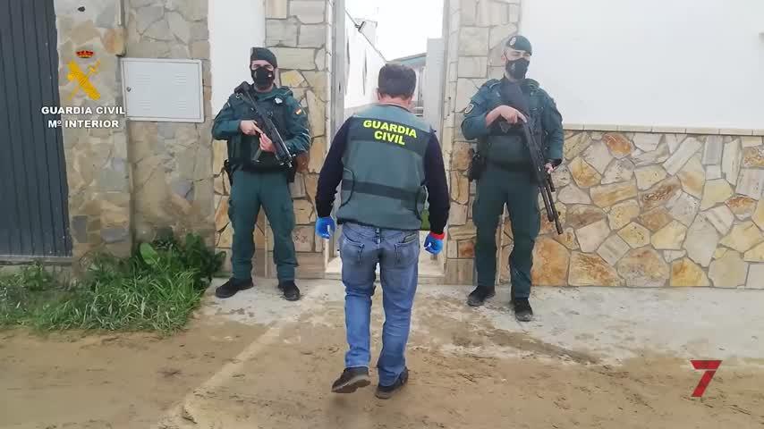 Guardia Civil localiza casi 3 mil kilos de hachís en una 'guardería de droga' en Sanlúcar
